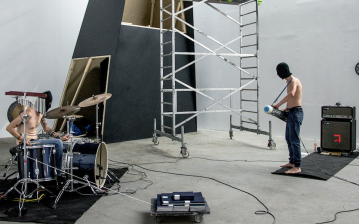 Konrad Smolenski/BNNT, S.T.R.H., 2013. Sound installation and performance. © BNNT/ Leto Gallery. Photo by Dagny Nowak.